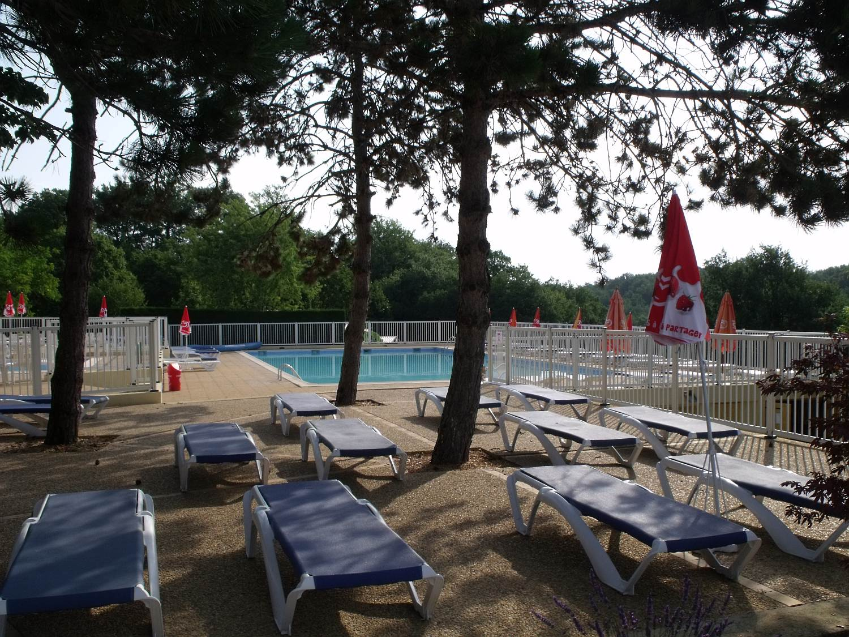 Barrière piscine collective