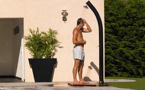 La douche solaire Desjoyaux